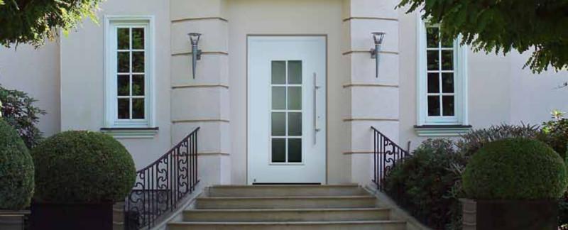 Műanyag és fa ajtók - bejárati ajtók - beltéri ajtók